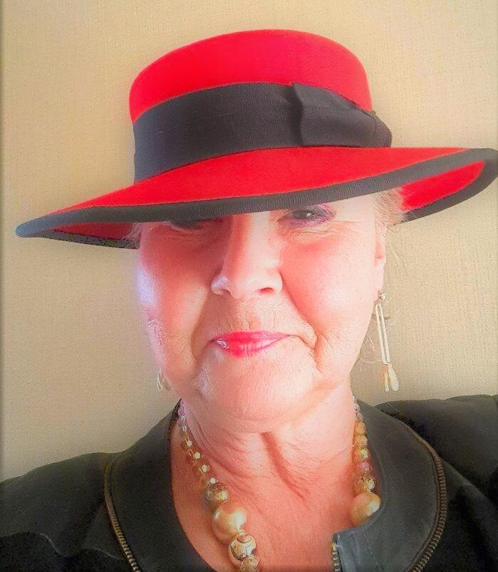 Annicka i röd hatt