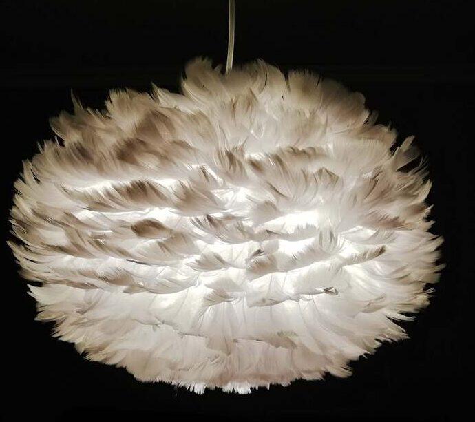 Fluffig fjäderlampa