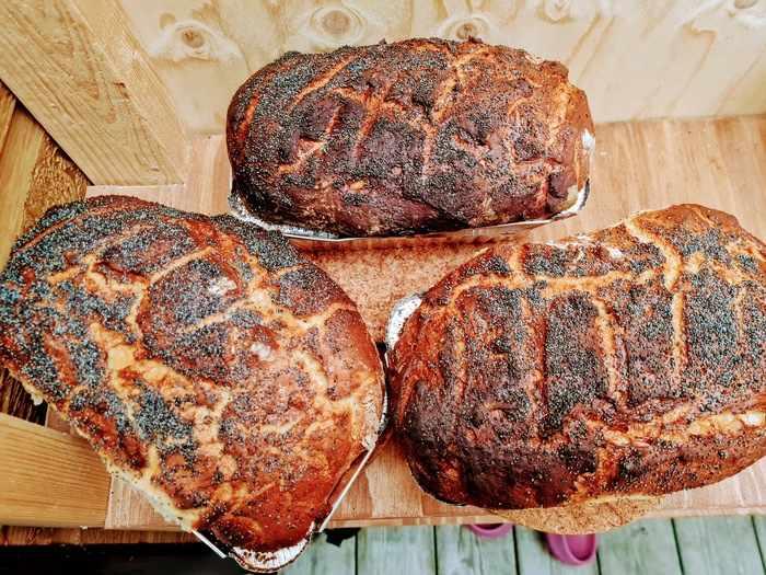 3 hembakade bröd